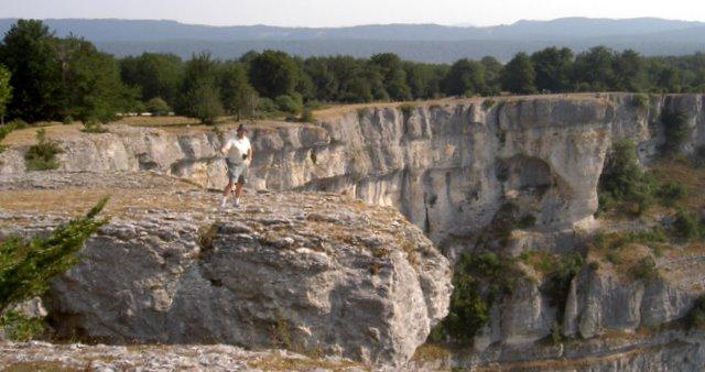 El Balcón de Pilatos, al fondo el nacimiento del río Urederra