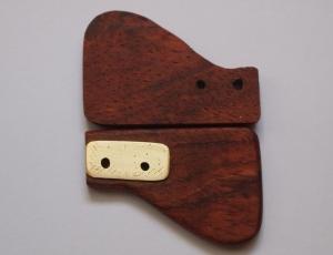 Paletas de bubinga con el refuerzo de latón pulido
