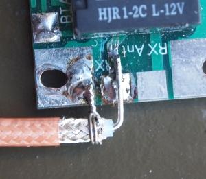 Soldadura del coaxial en la entrada de RF del controlador